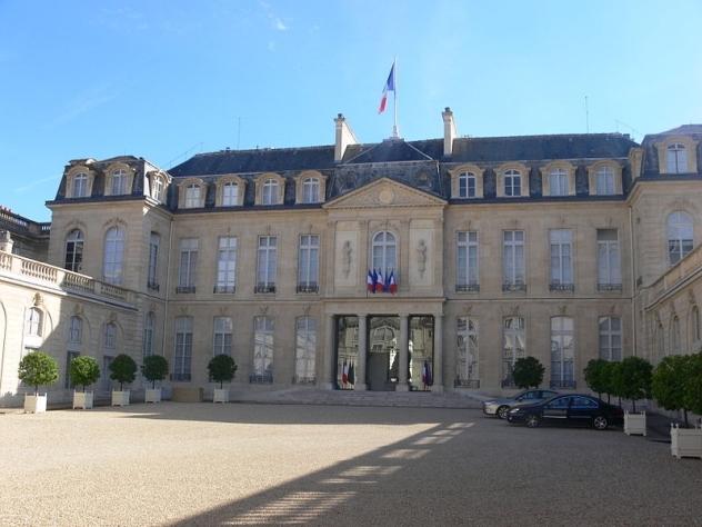 Большинство французов не желает видеть Фийона напрезидентских выборах