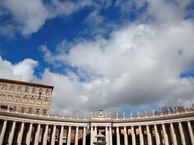 Ватикан поделился машиной времени сЦРУ— английские  СМИ