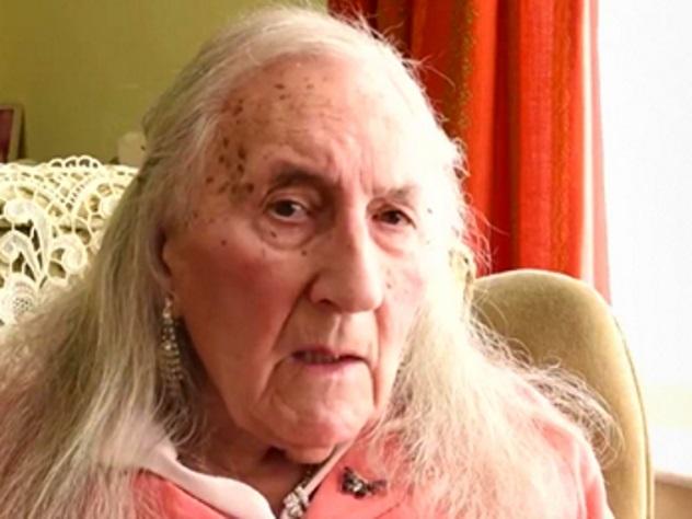 90-летний гражданин Англии сменил пол