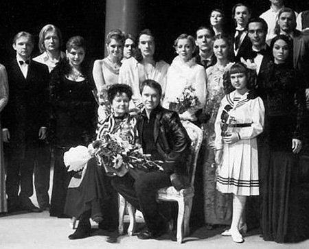 Один из любимейших учеников ЕРМАКОВОЙ - Евгений МИРОНОВ со своим педагогом и её курсом