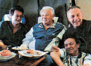 Талантливый журналист рядом с Борисом ЕЛЬЦИНЫМ, Андреем КОЗЫРЕВЫМ и Владимиром ШЕВЧЕНКО