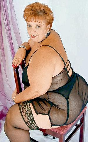 - Я знаю, как сделать твой отдых незабываемым, - уверяет 57-летняя Фея и хочет за час «отдыха» получить 9500 рублей