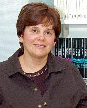 Ирина ПРОХОРОВА возглавляет благотворительный фонд брата и руководит издательским домом, который выпускает примерно 90 книг в год