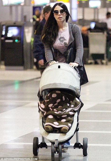 Сейчас Мел бьётся я в суде с Оксаной ГРИГОРЬЕВОЙ за право опёки над своей дочерью Люсией.  Фото: Daily Mail