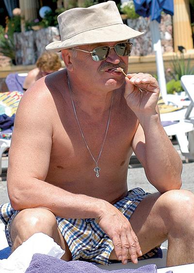 Актёр и режиссёр обожает отдыхать в теплых краях (фото jenia.biz)
