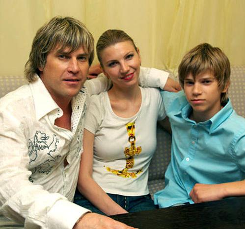 Алексей и Сания были женаты 18 лет. У пары есть сын. Фото glyzin.ru