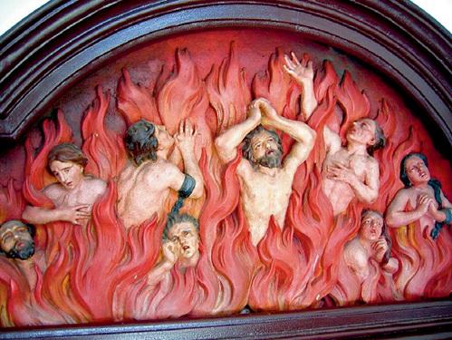 В чистилище, как считают католики, людские души проходят предварительное очищение