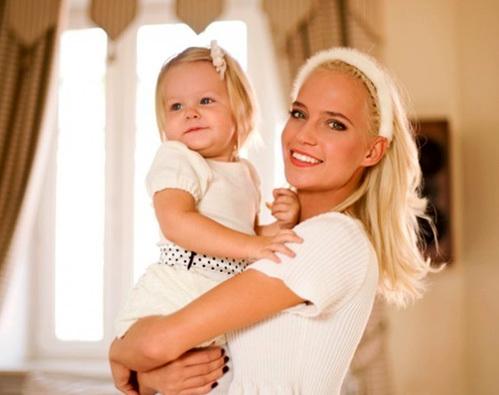 Наталья ИОНОВА (Глюкоза) с дочкой Лидой
