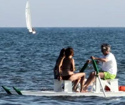 Массимо и Эмилия беззаботно катались на лодке. Фото Gazzetta.it