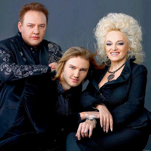 Надежда и Александр счастливы, что выгодно женили наследника (фото moskva.fm)
