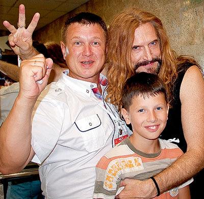 Сергей познакомил Никиту с сыном
