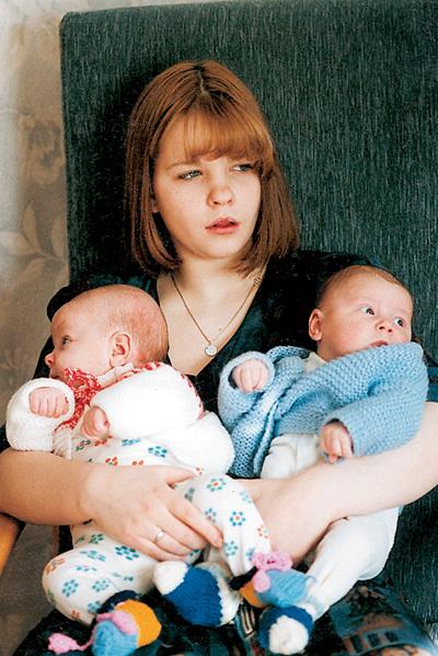 Психологи говорят, что ребёнок, сам ставший родителем, поневоле быстро взрослеет