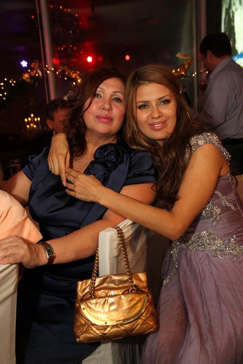 Виктория БОНЯ с мамой