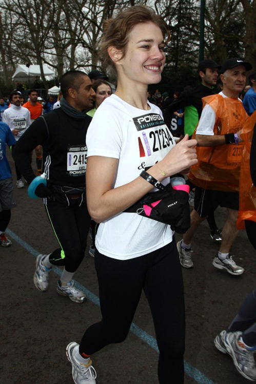 Наталья ВОДЯНОВА в перерывах между дефиле присоединилась к марафону