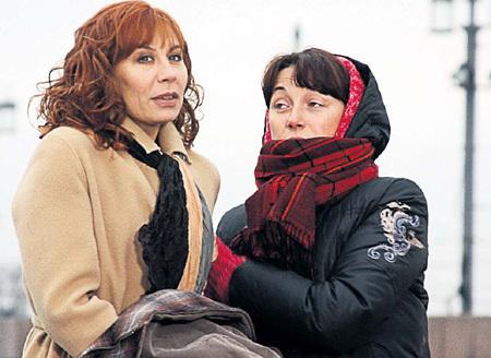Ради красавицы Катерины ДЯТЛОВ оставил первую супругу - актрису Дарью ЮРГЕНС. Но бывшие жены актёра не держат друг на друга обид и часто встречаются