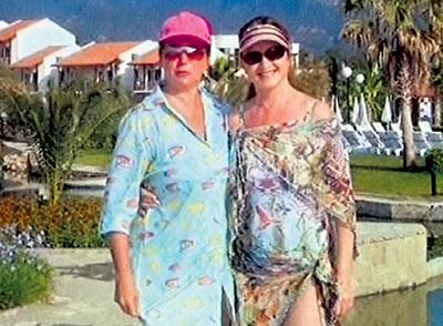 Когда-то близкие друг другу люди - Ольга и София не только работали вместе, но и отдыхали