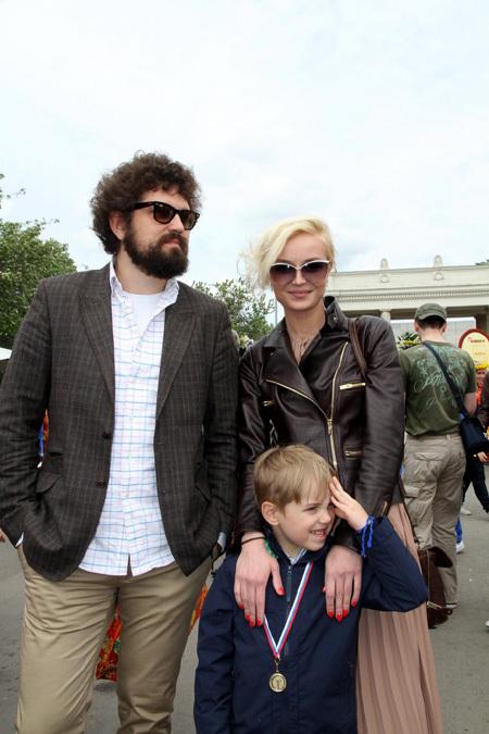 Полина ГАГАРИНА с другом Борисом и сыном Андреем