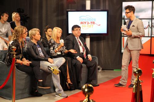 Вячеслав МАНУЧАРОВ стал ведущим ток-шоу.