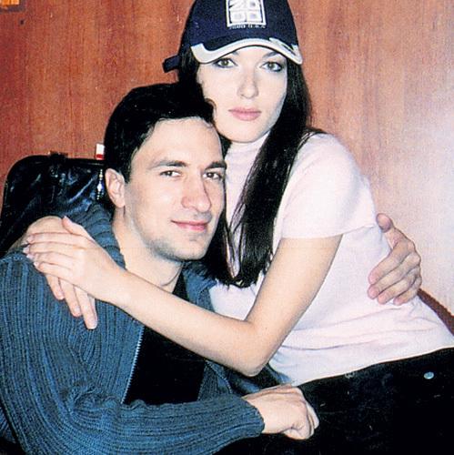 Весной 2006 года наш корреспондент впервые застукал АНТИПЕНКО и ТАКШИКУ вместе - на тот момент об их романе ещё никто не сообщал