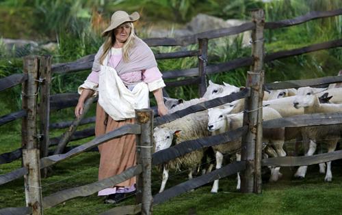 В церемонии приняли участие 70 живых овец.