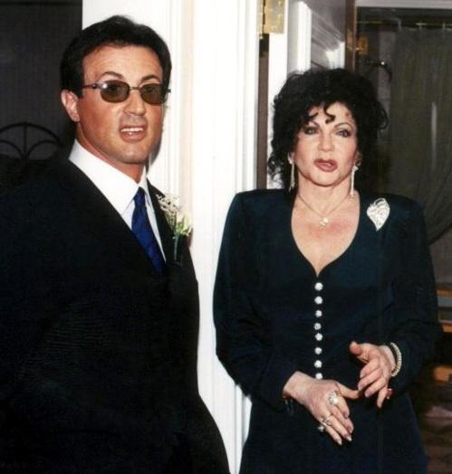 Сильвестр СТАЛЛОНЕ с матерью Джеки в 1998 году
