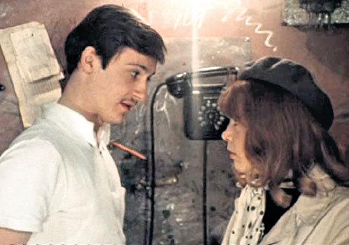 1982 год: 22-летний Олег и 25-летняя Татьяна подружились во время съемок фильма «Покровские ворота»