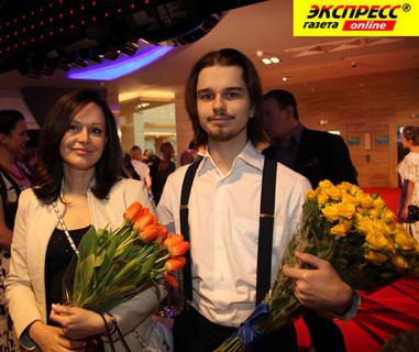 Ирина БЕЗРУКОВА с сыном Андреем (фото Ларисы КУДРЯВЦЕВОЙ)