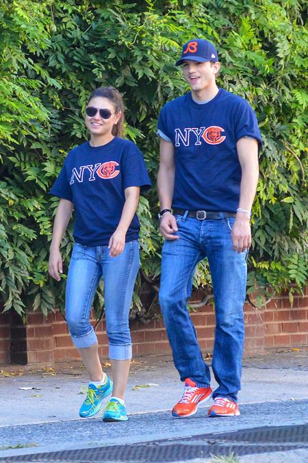 Эштон КАТЧЕР и Мила КУНИС носят одинаковые футболки