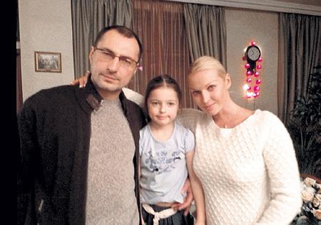 Анастасия ВОЛОЧКОВА увела ВДОВИНА у жены Лены и троих детей, а теперь сама осталась у разбитого корыта. Фото: twitter.com