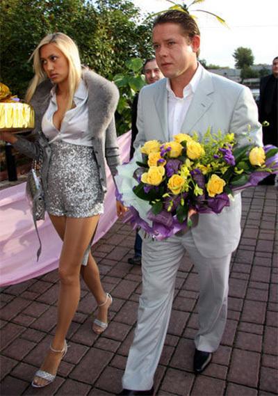 Павел БУРЕ с женой Алиной (фото Ларисы КУДРЯВЦЕВОЙ)