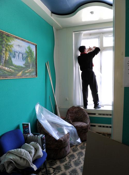 В Челябинске до сих пор не все вставили вылетевшие окна