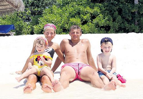 Раньше Андрей АРШАВИН проводил отпуск с женой и детьми. Однако нынешним летом всё будет, очевидно, по-другому. Фото: facebook.com