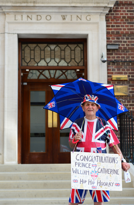 Все последние недели британцы пребывали в предвкушении грандиозного события. Появление на свет наследника короны - праздник для всей нации.