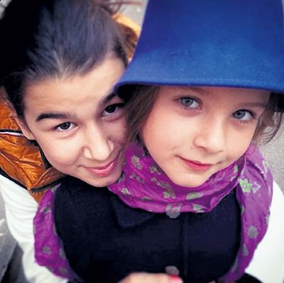 Кроме 5-летней Нины (справа), Иван воспитывает дочерей жены от первого брака (на фото Эрика). Фото: Instagram
