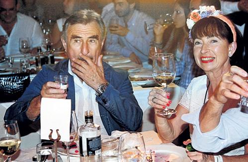 Леонид КАНЕВСКИЙ с женой Анной с удовольствием участвовали в дружеских посиделках с друзьями