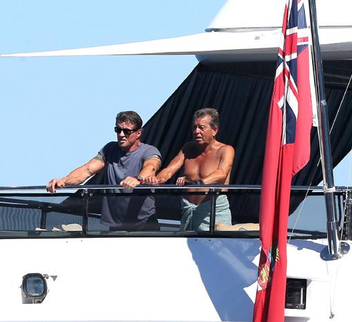Сильвестр СТАЛЛОНЕ с семьёй отдыхает на яхте