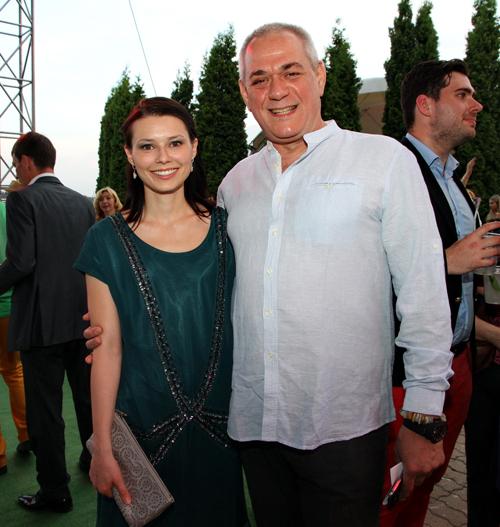 Сергей ДОРЕНКО с женой Юлей (фото Бориса КУДРЯВОВА)