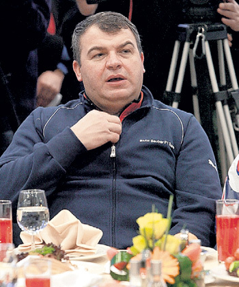 Экс-главе Минобороны не удалось заночевать... Фото Анатолия ЖДАНОВА/«Комсомольская правда»