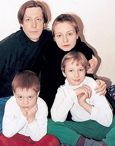 Михаил с Евгенией ДОБРОВОЛЬСКОЙ, сыном Колей и Стёпой, которого Женя родила от актёра Вячеслава БАРАНОВА