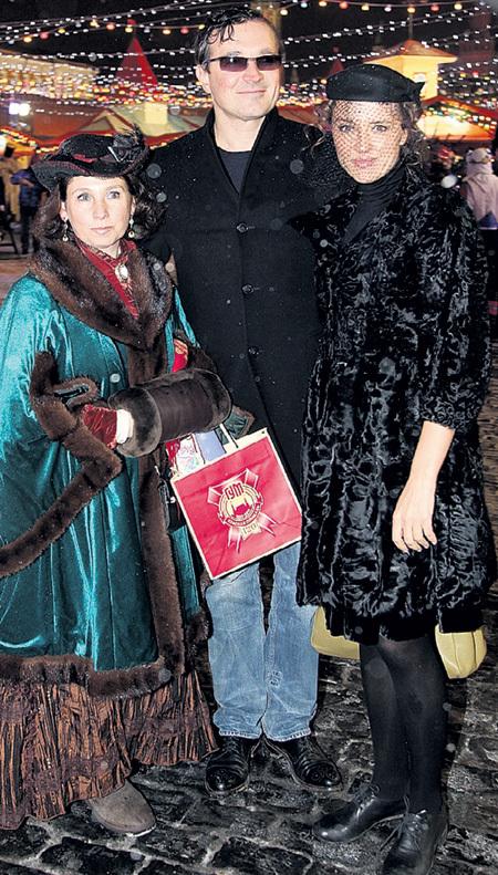 Ксения АЛФЁРОВА и Егор БЕРОЕВ гуляли с давней знакомой - бизнесвумен Ольгой ЮДКИС