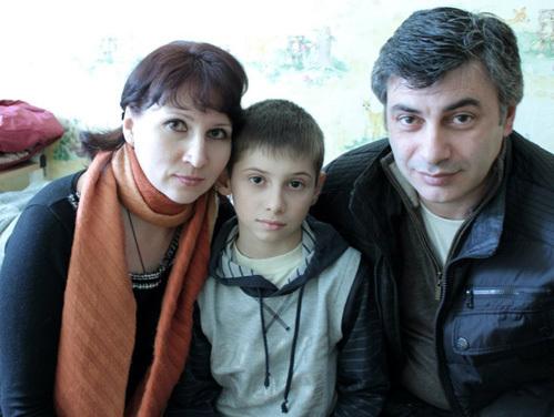 Миша с родителями Гором и Ириной