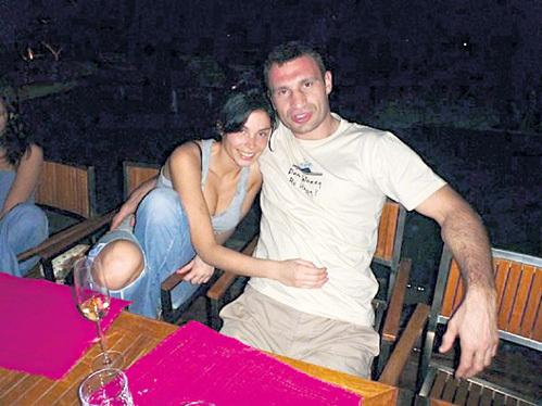 С Анной БАСТОН спортсмен оттягивался по полной программе...