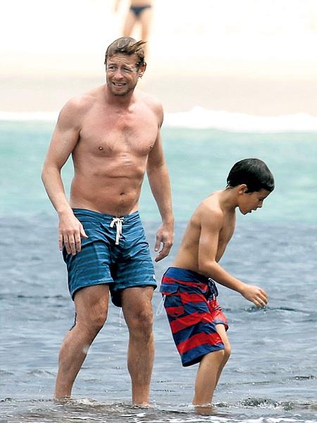 «Менталист» с сыном Гарри влезли в воду, лишь когда опасность миновала