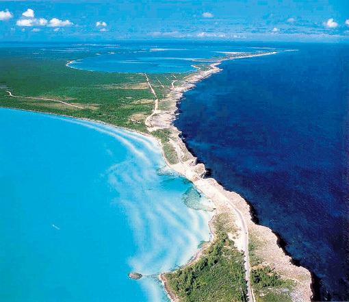 Природные красоты острова Элеутера отвлекли ПЭЛТРОУ от грустных мыслей