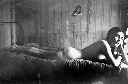 Лиля БРИК, как и МАКСАКОВА, обладала притягательными формами