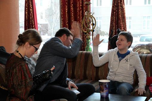 Ксения СОБЧАК и Максим ВИТОРГАН с сыном Даниилом