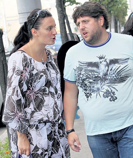 Елена нередко спорит и со своим директором Русланом СУЛИМОВСКИМ