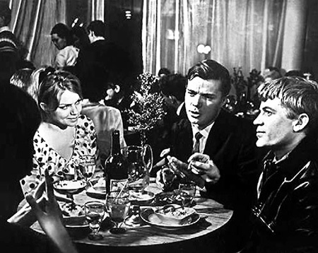 С актёром КОРОЛЬКОВЫМ (крайний справа) звезду связывала не только съёмочная площадка