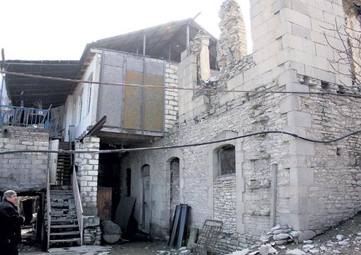Ирине АЛЛЕГРОВОЙ в карабахском селе Пирджамал в наследство досталась половина дома