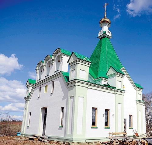 «Бабушки» храм строили-строили и наконец построили! Фото: glazovportal.net